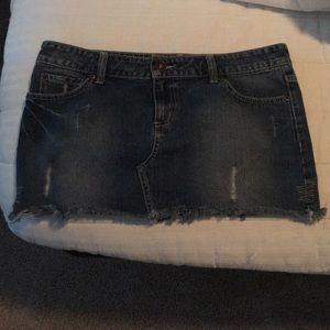 So size 13 juniors Jean skirt